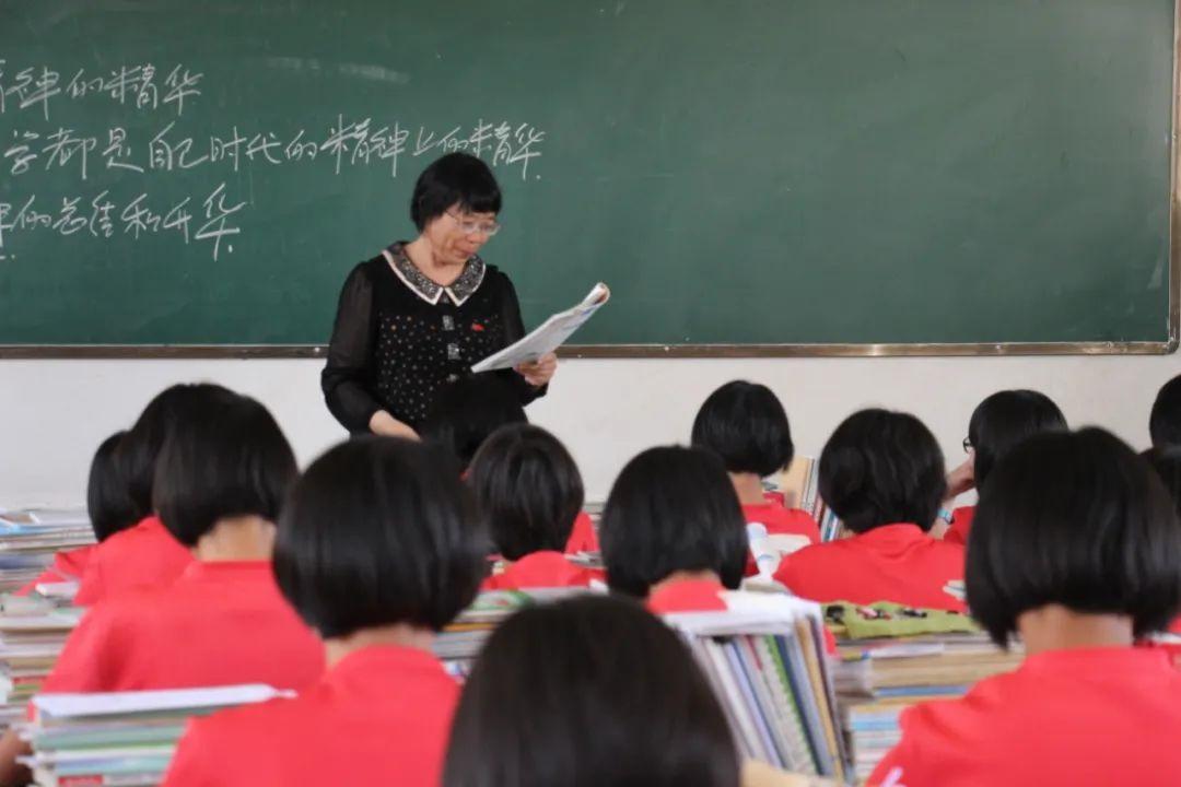 七一勋章获得者张桂梅:1804个贫困女孩的妈妈